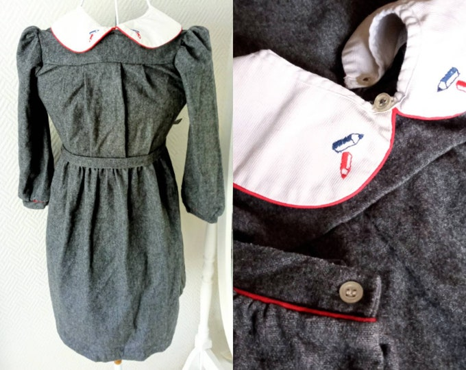 Winter dress 1980s wool embroidered collar girl 8/9 years //1980's winter wool embroidered collar dress for 8/9 years girl