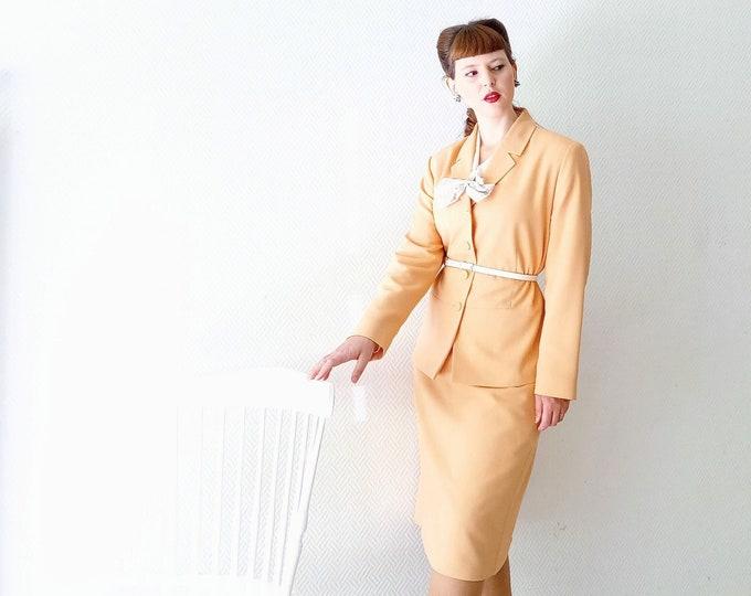 Tailleur vintage 1990's pêche style années 40 // Vintage 1990's does 40's peach skirt suit