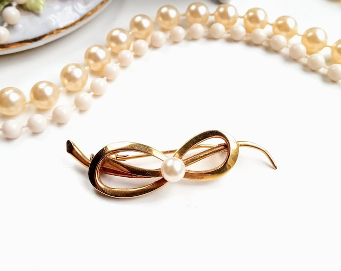 Brooch 1960's knot plated gold pearl// Vintage 1960's gold-plated bow pearls