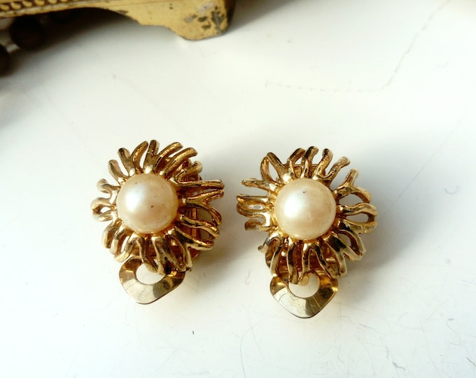 Vintage flower style earrings 50s/50s vintage floral earrings