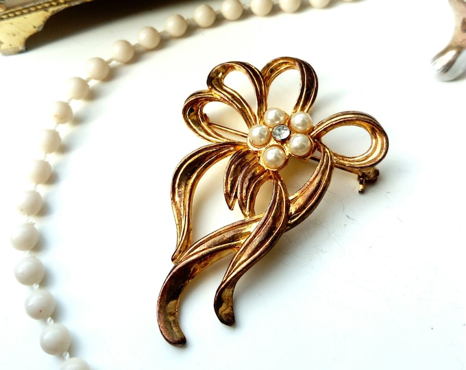 floral brooch style years 40 MOVITEX/MOVITEX 40 's floral style brooch