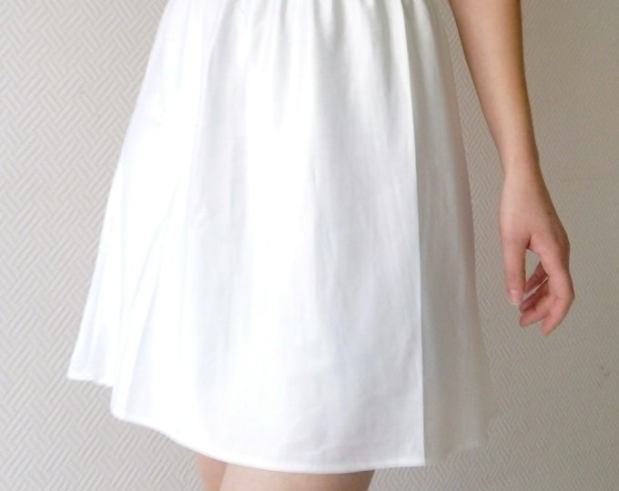 Vintage white skirt / vintage White petticoat