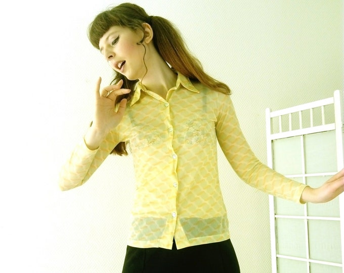 Groovy yellow blouse 1970's / 70's groovy blouse yellow