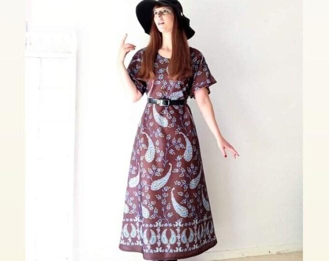 Vintage long dress 1970's flowers paisley hippy// Vintage 1970's paisley floral maxi dress