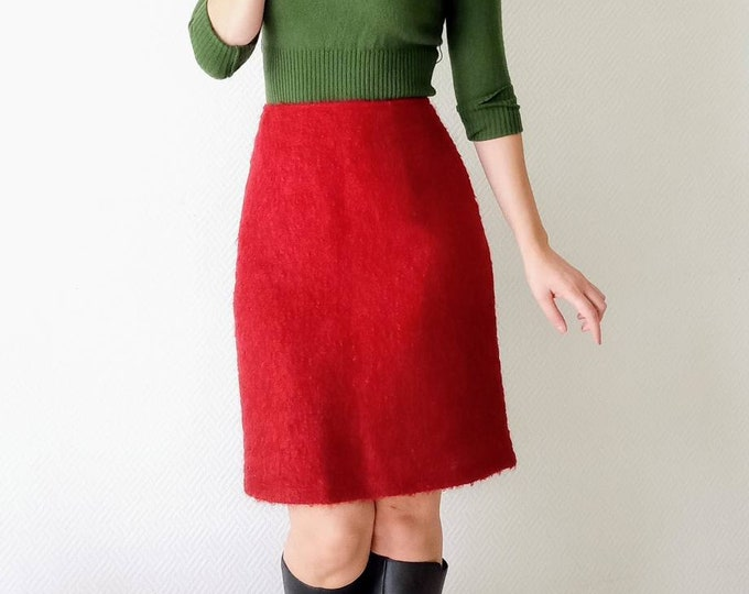 Vintage skirt in burgundy wool style 60s //60's vintage wool style burgundy skirt