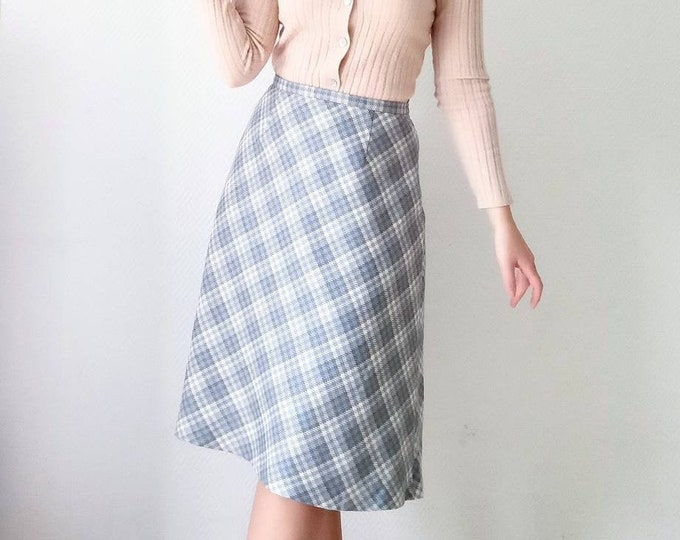 Vintage skirt 1970's plaid wool style 40 // Vintage 1970's does 40's plaid wool skirt