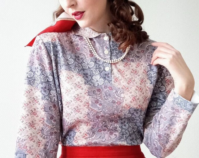 1970's vintage sweater with floral paisley print collar //Vintage 1970's with collar paisley floral print jumper