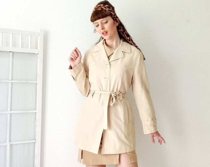Trench coat beige 90's style 60 //Vintage 90's does 60s beige trench coat
