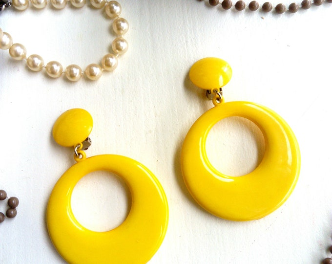 Pendant earrings yellow years 70/80-70 's/80 's yellow dangling earrings