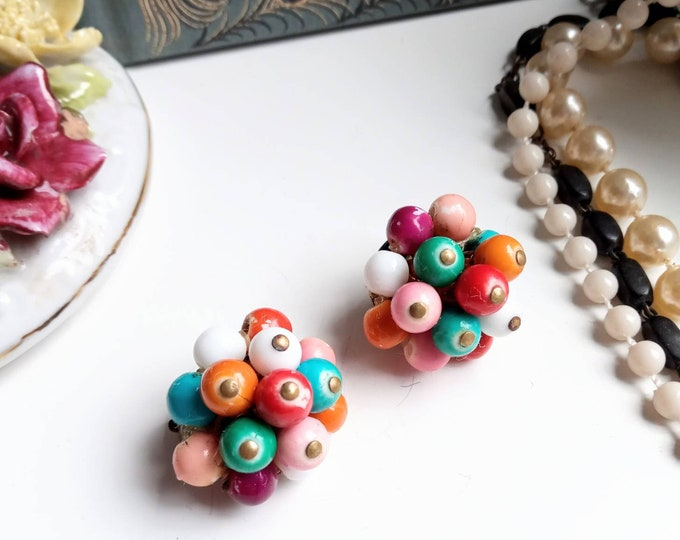 Earrings multicolored pearl clips 60 years //1960's multicolored pearls clips earrings