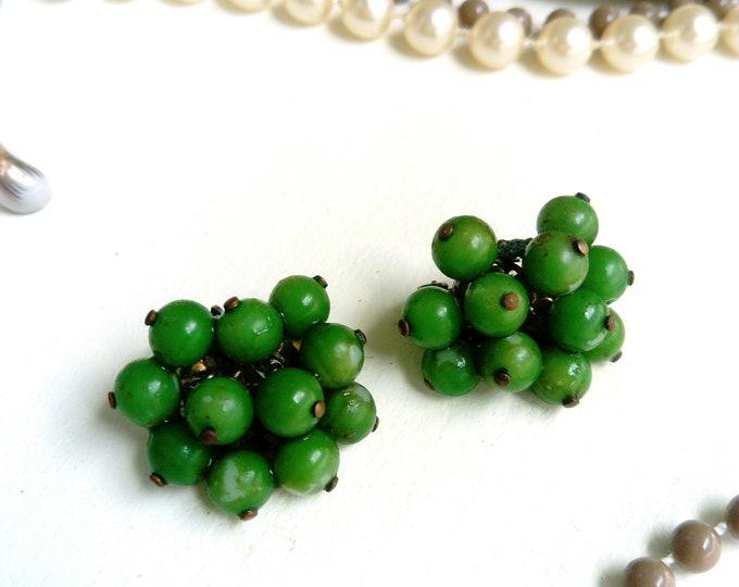 Earrings 1950's Green beads / 1950's green pearls earrings