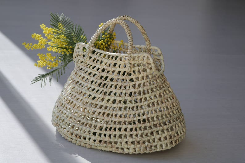 6c36fec866c3 Straw handbag medium size summer bag round basket rund | Etsy
