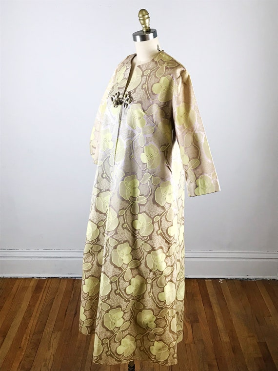 1960s house dress // gold floral fifth avenue hou… - image 7