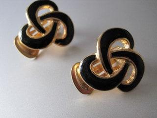 Simple Chic, Retro, LoveInfinity Knot clip on earrings, Gold tone, Black enamel, Vintage 70's.