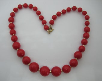 Vintage 60's Retro, Rockabilly, Red lipstick colour, lucite beaded necklace.