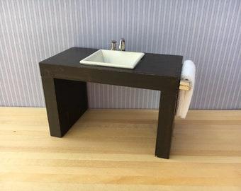 1/12 Scale Miniature Modern Bathroom Vanity with Square Basin & Towel