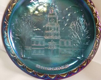 """Vintage Indiana Glass Company Blue Carnival Glass Independence Hall Collectible 8"""" Plate"""