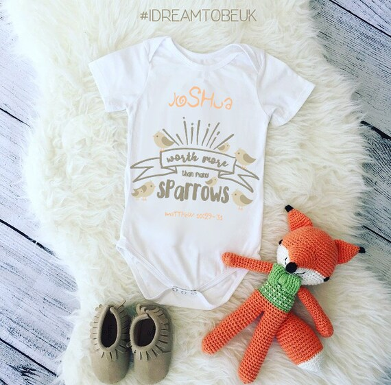 Personalised Name 1st Birthday with Giraffe design Baby Vest