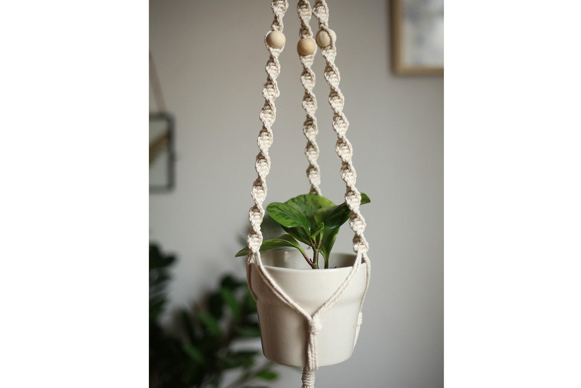 suspension en macram pour plante macrame plant hanger. Black Bedroom Furniture Sets. Home Design Ideas