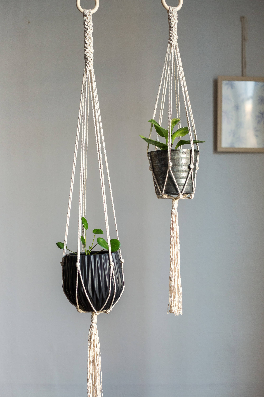 suspension pour plante en macram macram plant hanger etsy. Black Bedroom Furniture Sets. Home Design Ideas