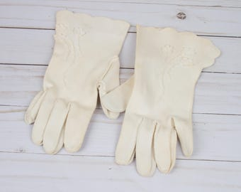 Vintage Gloves - White Vintage Gloves - Flower Gloves - Gloves - Cream Gloves - Vintage Women's Gloves