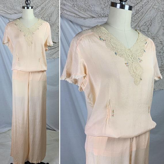 Vintage 1920's Beach Pajama Set   Pale Peach Silk