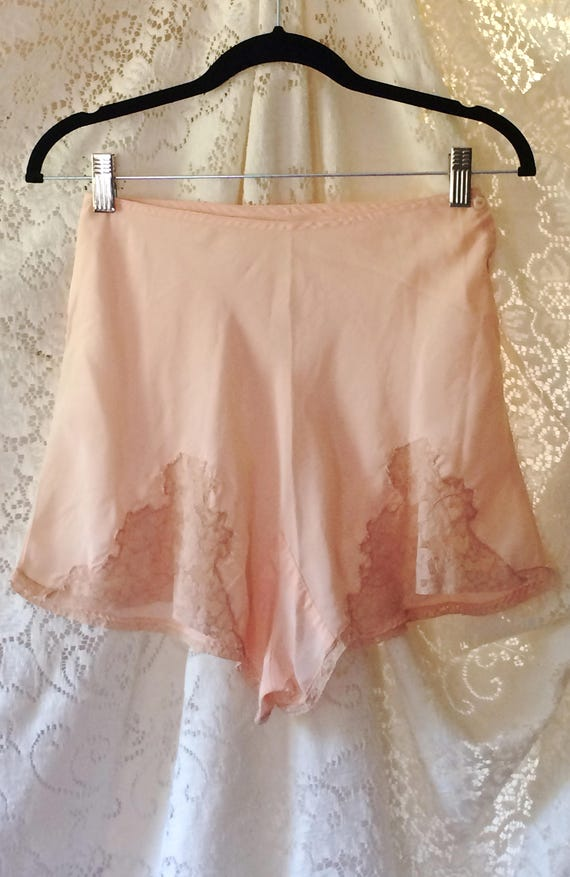 Vintage 1940 s Tap Pants Peach Silky Rayon with Ecru  67ab07932