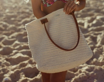 Cecilia - Handmade Crochet Bag - Handcrafted in Brazil - Shoulder crochet bag with durable leather top handles and internal pockets