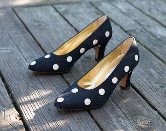 4329d4a573e6 Vintage Polka dot pumps