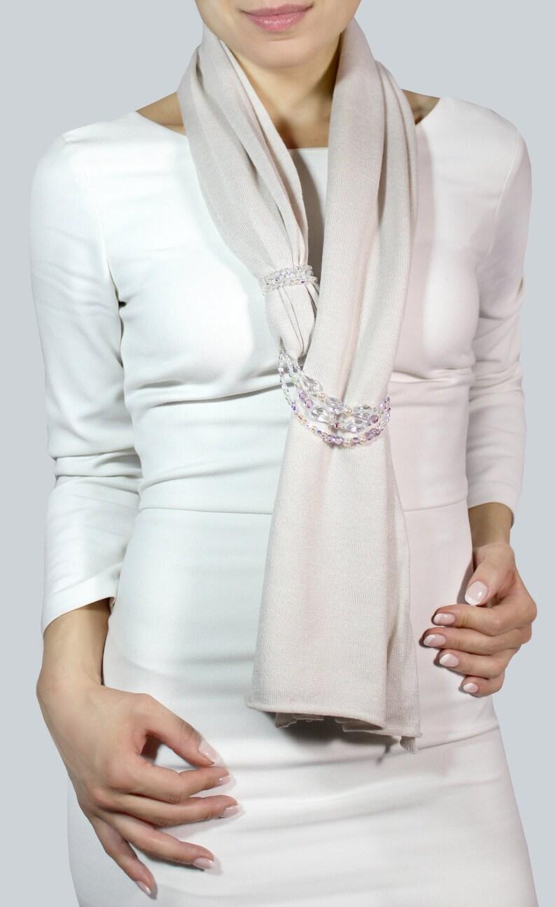 e9c8013e178 Écharpe en cachemire blanc foulard étole bijoux élégant