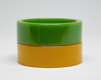 Vintage pair Chartreuse Green & Butterscotch BAKELITE Art Deco Slice Bracelets