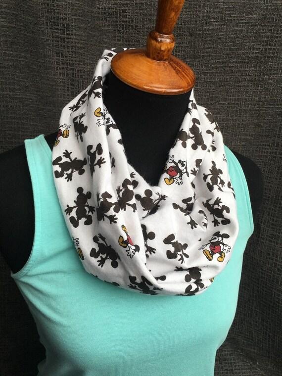 vente en magasin authentique dernière conception Disney foulard, écharpe Mickey Mouse, foulard infini, Disney, Mickey  écharpe, foulard Unique, foulard rouge, foulard en bande dessinée, Walt  Disney, ...