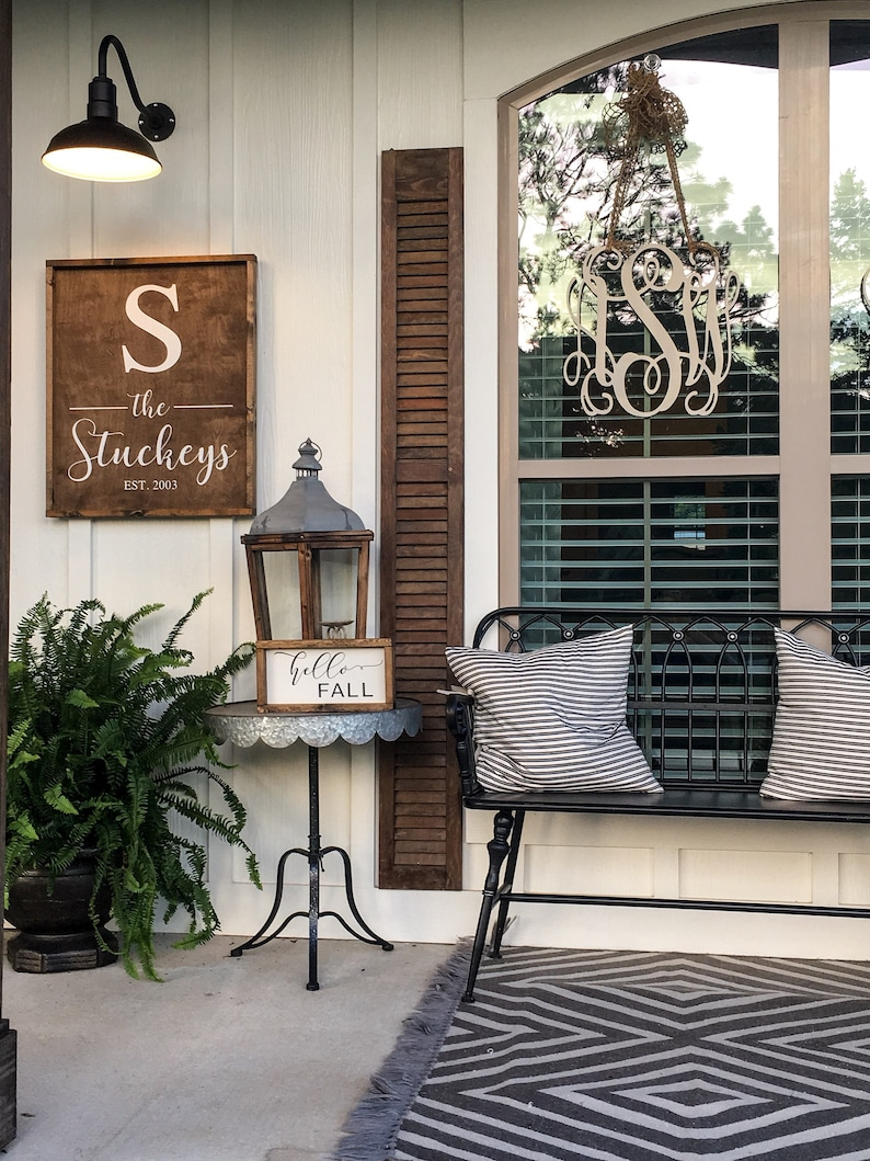 Charming Porch Inspiration & Decor Ideas. #farmhousestyle #porches
