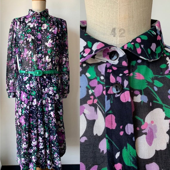 vintage floral midi dress  in black, lialac and gr