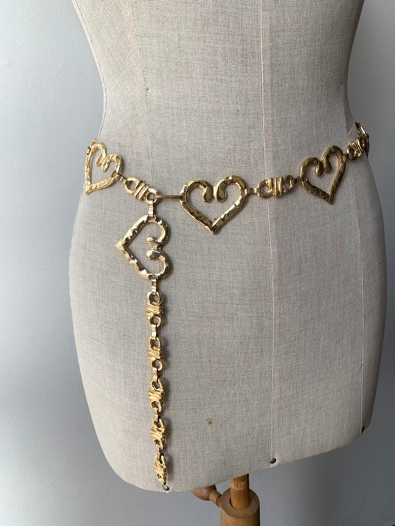 Vintage gold tone heart shaped chain belt, gold ch