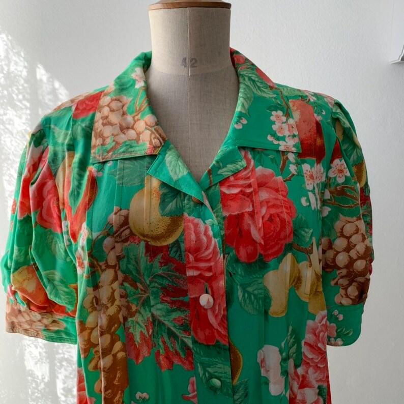 80s Floral green silk shift dress with short-sleeves,Vintage silk floral shirt dress,Green silk midi tropical dress,summer floral silk dress