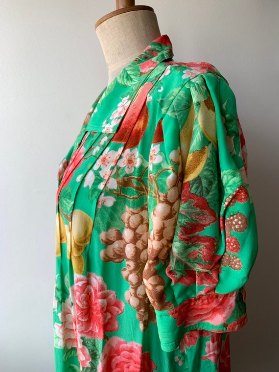 80s Floral green silk shift dress with short-slee… - image 4