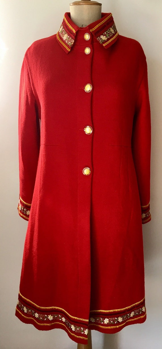 Red Sheer Wool overcoat with embroidered and velve