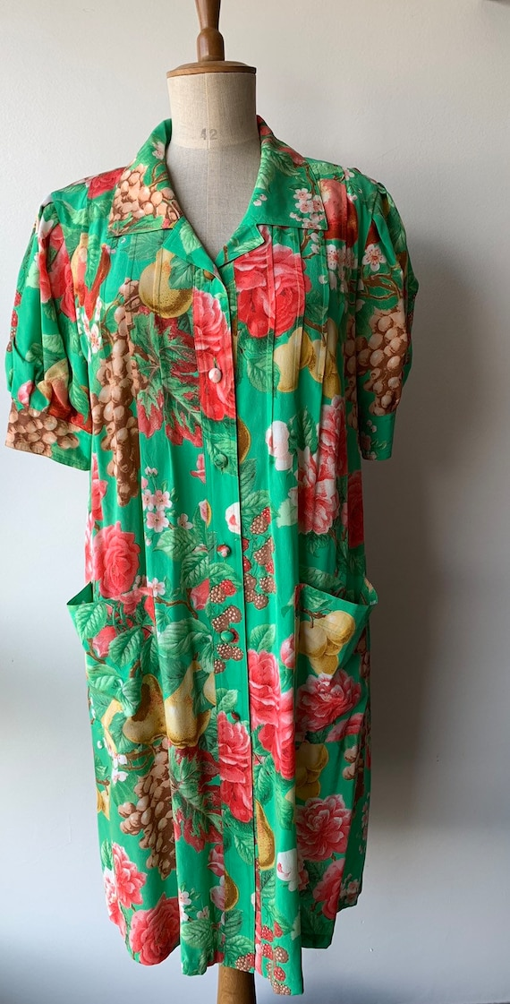 80s Floral green silk shift dress with short-slee… - image 2