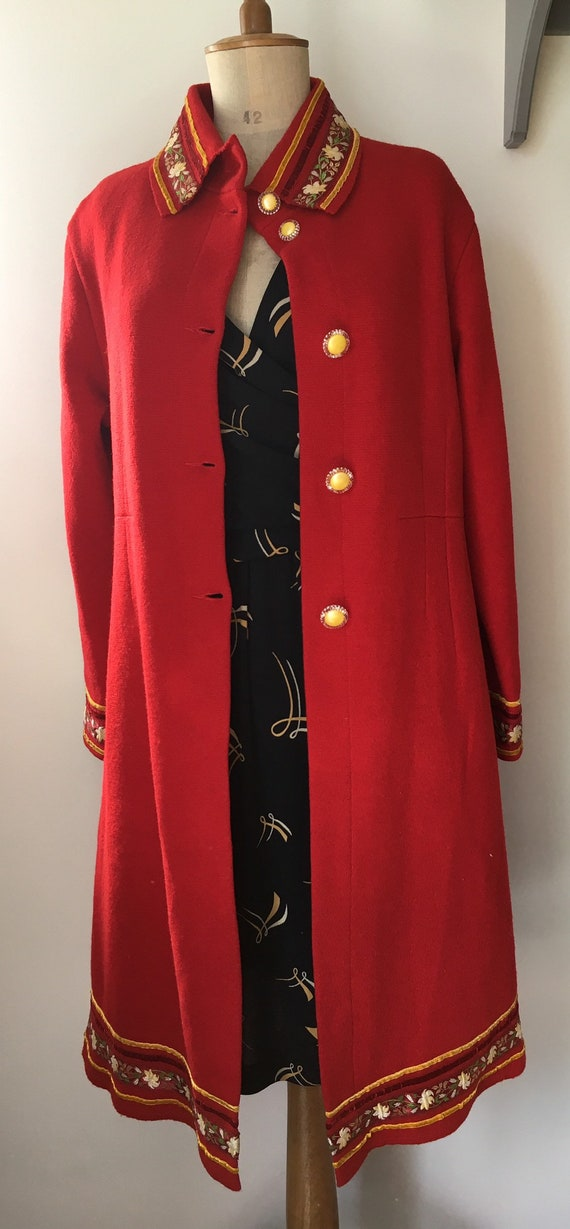 Red Sheer Wool overcoat with embroidered and velv… - image 6