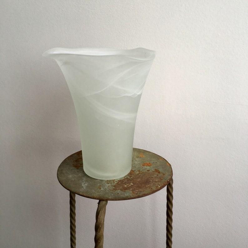 Jahrgang Mattierte Glas Weiße Vase Milchglas Art Vase Weiß Etsy