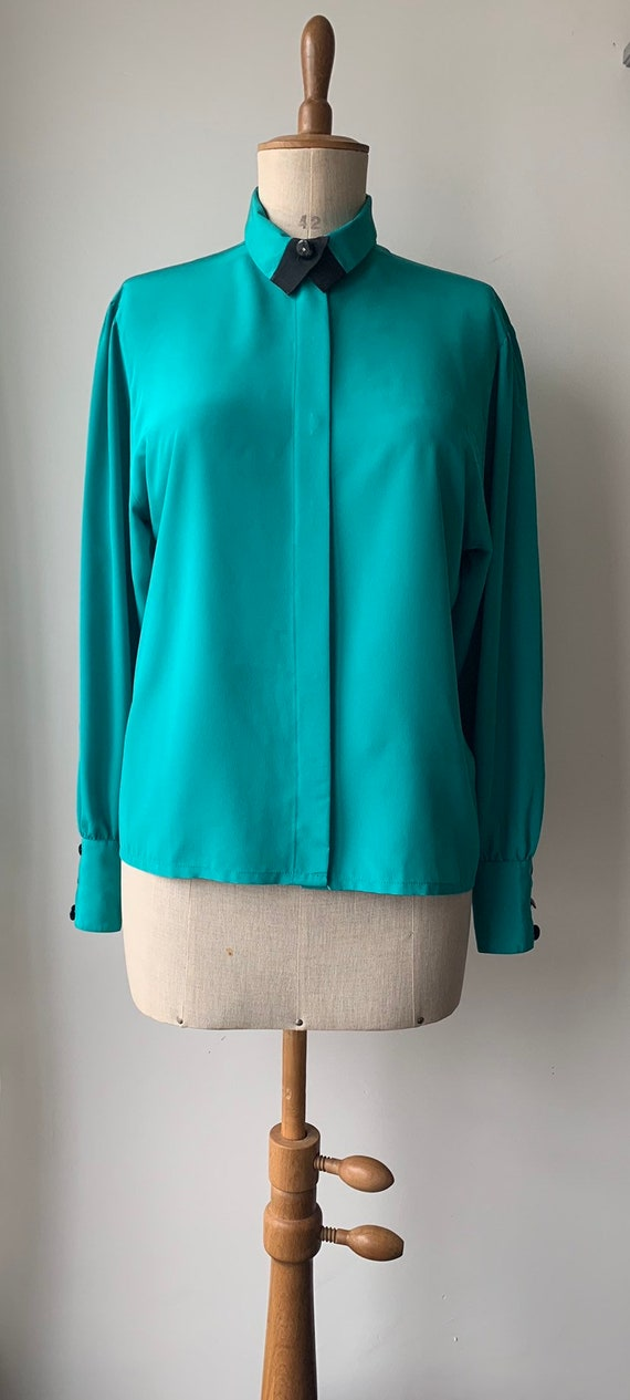 Teal 80s blouse with black collar & studes, black