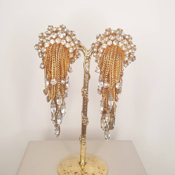 Beautiful vintage 1960s gold plated droplets choker with matching clip earrings