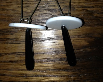 Wild 80s black and white drop earrings
