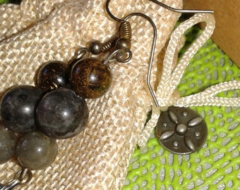 "Clutch earrings Bronzite, Labradorite, Larvikite ""love your"""