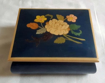 Vintage Italian Trinket Box With Inlaid Flowers in Green Painted Wood Box With Hinged Lid