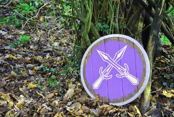 Wood and Leather Skyrim Riften hold shield replica  Norse Viking Medieval Fantasy Oblivion Morrowind Elder Scrolls Metal Wooden d/&d Steel