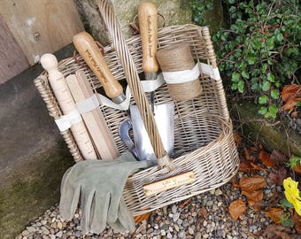 Delight Your Garden Lover Personalised 9 Piece Garden Trug Basket with Tools / Hand Trowel Fork Sisal Twine Plant Markers Dibber Measurer