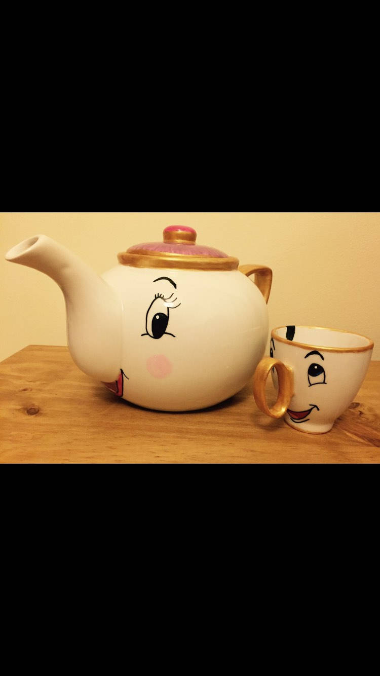 Beauty & The Beast Mrs Potts Teapot and Chip Cup Tea Set-Hand