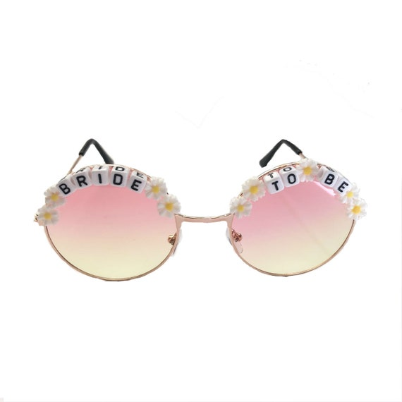 BRIDE <3 TO BE Daisy Round Tint Hen Party Festival Sunglasses - Custom Designs Available